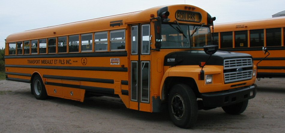 School bus in Québec