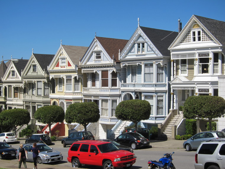 Photograph of the Painted Ladies, 6 painted Victorian houses located at Alamo Square in San Francisco